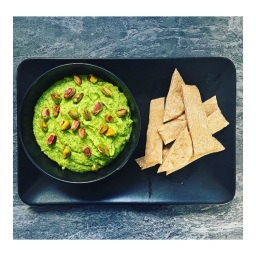 BROCCOLI & BLUE CHEESE GUACAMOLE
