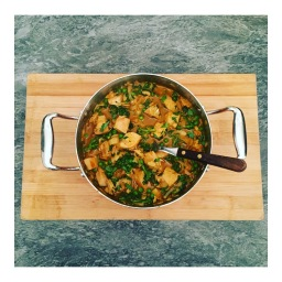 THAI TURKEY CURRY WITH ALMONDS AND GREENS