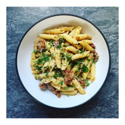 SUNDRIED TOMATO & ANCHOVY PENNE