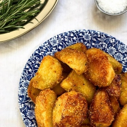 THE SECRET TO CRUNCHY ROAST POTATOES (AND NO WASTE!)