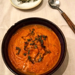 THYME TOMATO & ROAST PEPPER SOUP