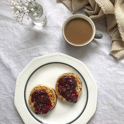 CRUMPETS WITH HOT BLACKBERRY & BASIL JAM