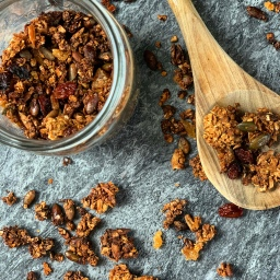CANDIED GINGER & HONEY LIME GRANOLA